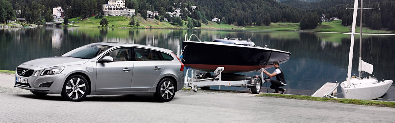 Volvo V60 and Boat Trailer
